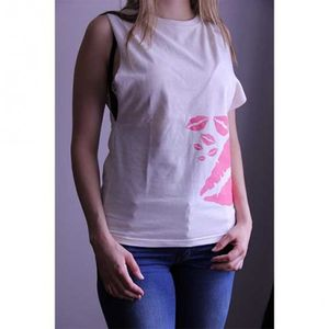 dhole-co-camiseta-sin-mangas-mujer-beso